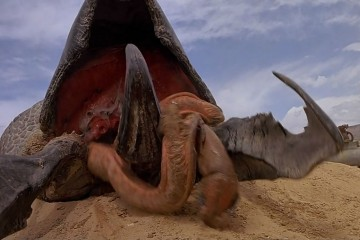 tremors-5-bloodlines-e4df-s3